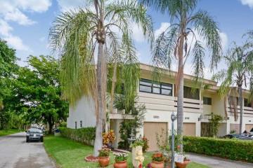 Home for Sale at 11021 W Broward Bl #11021 #11021, Plantation FL 33324