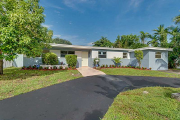 Home for Sale at 19720 NE 12 Av, Miami FL 33179