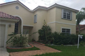 Home for Sale at 1610 Newport Ln, Weston FL 33326
