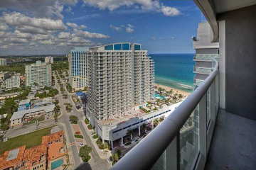 Home for Sale at 3101 Bayshore Dr #PH2408, Fort Lauderdale FL 33304