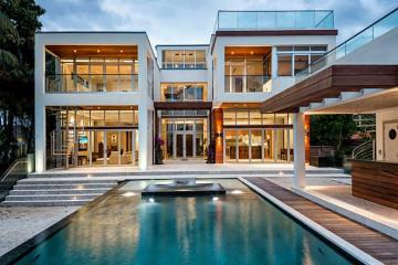 Home for Rent at 2111 Lake Av, Miami Beach FL 33140