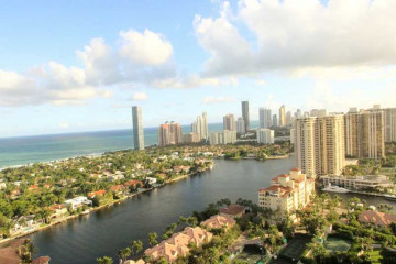 Home for Sale at 20155 NE 38 Ct #2903, Aventura FL 33180
