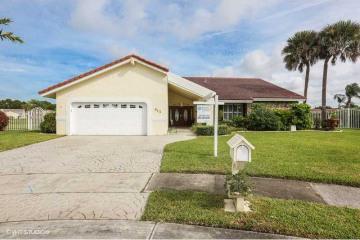 Home for Sale at 512 NW 104th Av, Plantation FL 33324