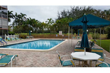 Home for Sale at 7502 NW 30 Pl #216, Sunrise FL 33313