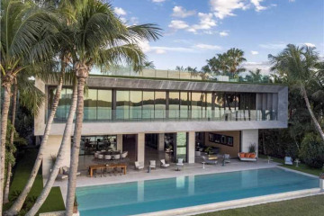 Home for Sale at 252 Bal Bay Dr, Bal Harbour FL 33154