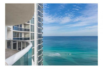 Home for Sale at 17201 Collins Ave #2405, Sunny Isles Beach FL 33160
