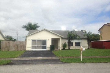 Home for Sale at 5513 SW 57th Pl, Davie FL 33314