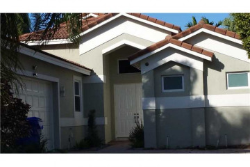 Home for Sale at 1230 S 13th Ave, Hollywood FL 33019