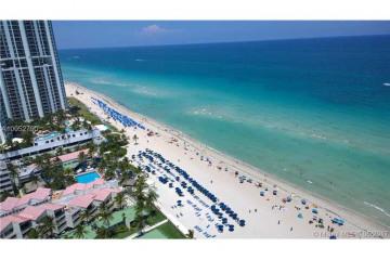 Home for Sale at 17875 Collins Ave #2501, Sunny Isles Beach FL 33160