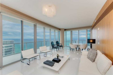 Home for Sale at 17121 Collins Ave #4308, Sunny Isles Beach FL 33160