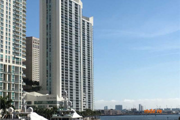 Home for Sale at 325 S Biscayne Blvd #2522 #2522, Miami FL 33131