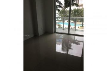Home for Sale at 244 Biscayne Blvd #1007, Miami FL 33132
