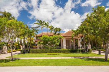 Home for Sale at 310 Harbor Dr, Key Biscayne FL 33149