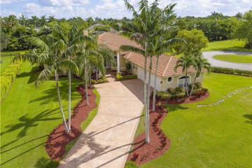 Home for Sale at 920 NW 122nd Ave, Plantation FL 33325