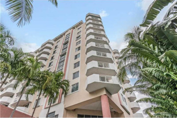 Home for Rent at 1621 Bay Rd # 701, Miami Beach FL 33139