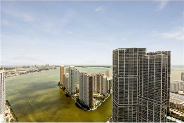 Home for Sale at 200 Biscayne Blvd Wy #5103, Miami FL 33131