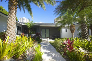Home for Rent at 2575 Flamingo Dr, Miami Beach FL 33140