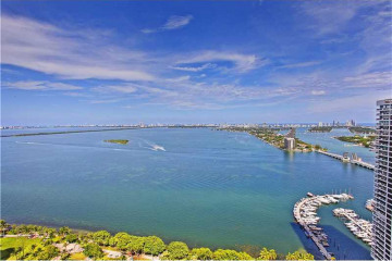 Home for Sale at Miami Condo/co-op/villa/townhouse, Miami FL 33132