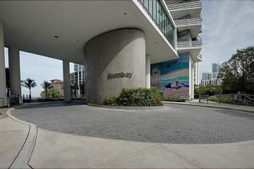 Home for Sale at Miami Condo/co-op/villa/townhouse, Miami FL 33137