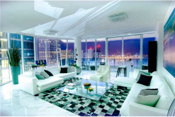 Home for Sale at 200 Biscayne Boulevard Way #4501, Miami FL 33131