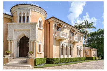 Home for Sale at 515 Casuarina Concourse, Coral Gables FL 33143