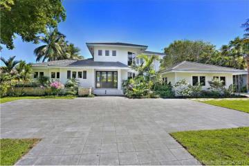 Home for Sale at 7911 Los Pinos Cir, Coral Gables FL 33143