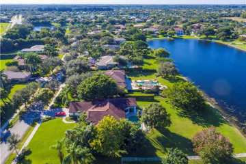 Home for Sale at 2541 SW 102nd Dr, Davie FL 33324