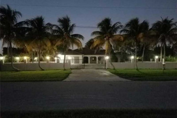 Home for Sale at 21401 SW 216 St, Miami FL 33170