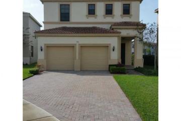 Home for Sale at 758 NE 193rd St, Miami FL 33179