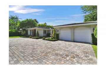 Home for Rent at 1220 S Greenway Dr, Coral Gables FL 33134