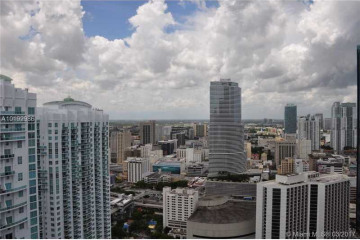 Home for Sale at 500 Brickell Ave #PH-3, Miami FL 33131