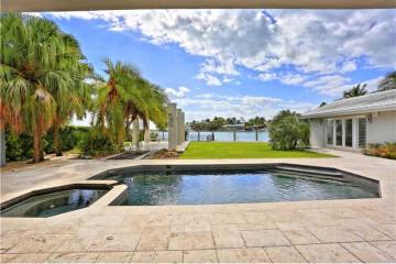 Home for Sale at 900 Harbor Drive, Key Biscayne FL 33149