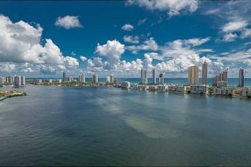 Home for Sale at 2600 Island Bl #2705, Aventura FL 33160