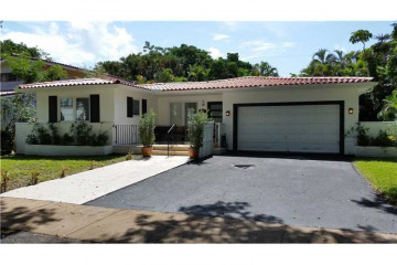 Home for Sale at 926 Aguero Ave, Coral Gables FL 33146
