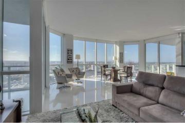 Home for Sale at 244 Biscayne Blvd #4208, Miami FL 33132