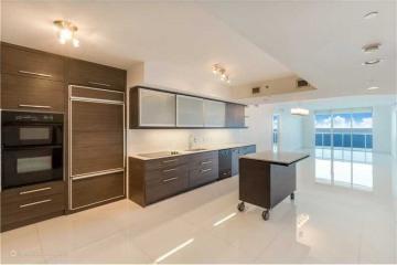 Home for Sale at 1850 S Ocean Dr #2702, Hallandale FL 33009