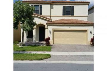 Home for Sale at 827 NE 193rd Ter, Miami FL 33179
