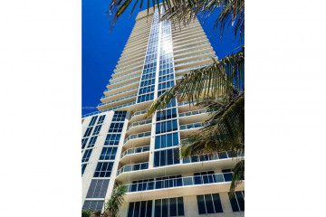 Home for Sale at 16699 Collins Ave #3106, Sunny Isles Beach FL 33160
