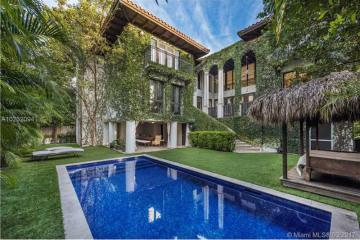 Home for Sale at 341 Palmwood Ln, Key Biscayne FL 33149