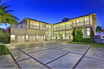 Home for Sale at 260 Harbor Dr, Key Biscayne FL 33149