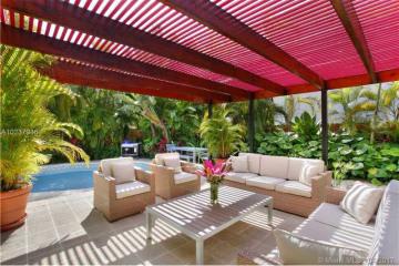 Home for Sale at 335 Woodcrest Rd, Key Biscayne FL 33149