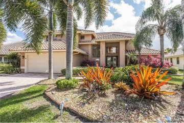 Home for Sale at 9860 SW 4th St, Plantation FL 33324