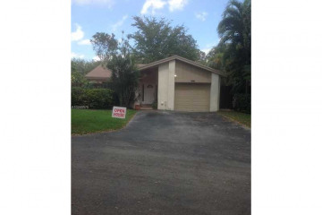Home for Sale at 13627 SW 116th Ln, Miami FL 33186