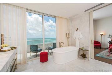 Home for Sale at Miami Beach Condo/co-op/villa/townhouse, Miami Beach FL 33140