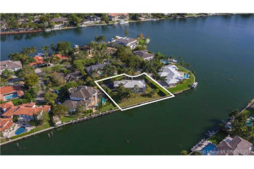 Home for Sale at 540 Reinante Ave, Coral Gables FL 33156