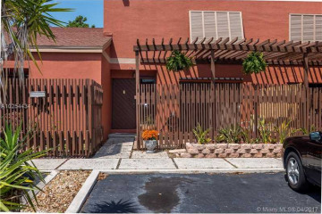 Home for Sale at 1610 Fairway Rd #1610 #1610, Pembroke Pines FL 33026
