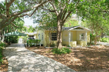 Home for Sale at 11199 SW 78th Ct, Pinecrest FL 33156
