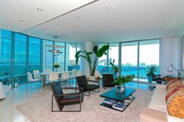 Home for Sale at 200 Biscayne Boulevard Way #4701, Miami FL 33131