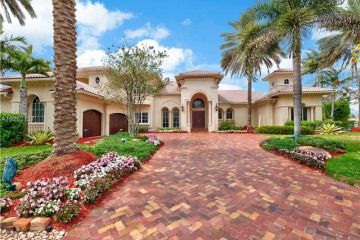 Home for Sale at 366 Sweet Bay Ave, Plantation FL 33324
