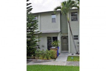 Home for Sale at 785 Crystal Lake Dr #785 #785, Pompano Beach FL 33064
